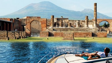 POMPEI AND MOUNT VESUVIUS BY BOAT FROM SORRENTO WITH LUNCH IN A VINEYARD