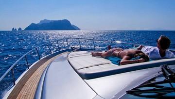 Escursione in barca in Costiera Sorrentina e Capri da Amalfi
