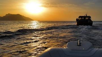 Giro in barca al tramonto in Costiera Sorrentina da Sorrento con cena