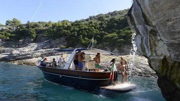 THE BEST OF SORRENTO IN 2 HOURS - BOAT TOUR ALONG THE COAST